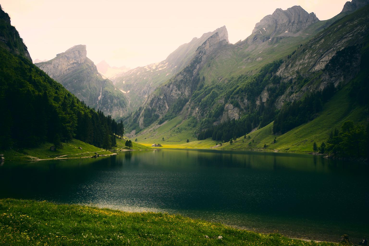 {filename}/img/appenzell-seealpsee-3.jpg
